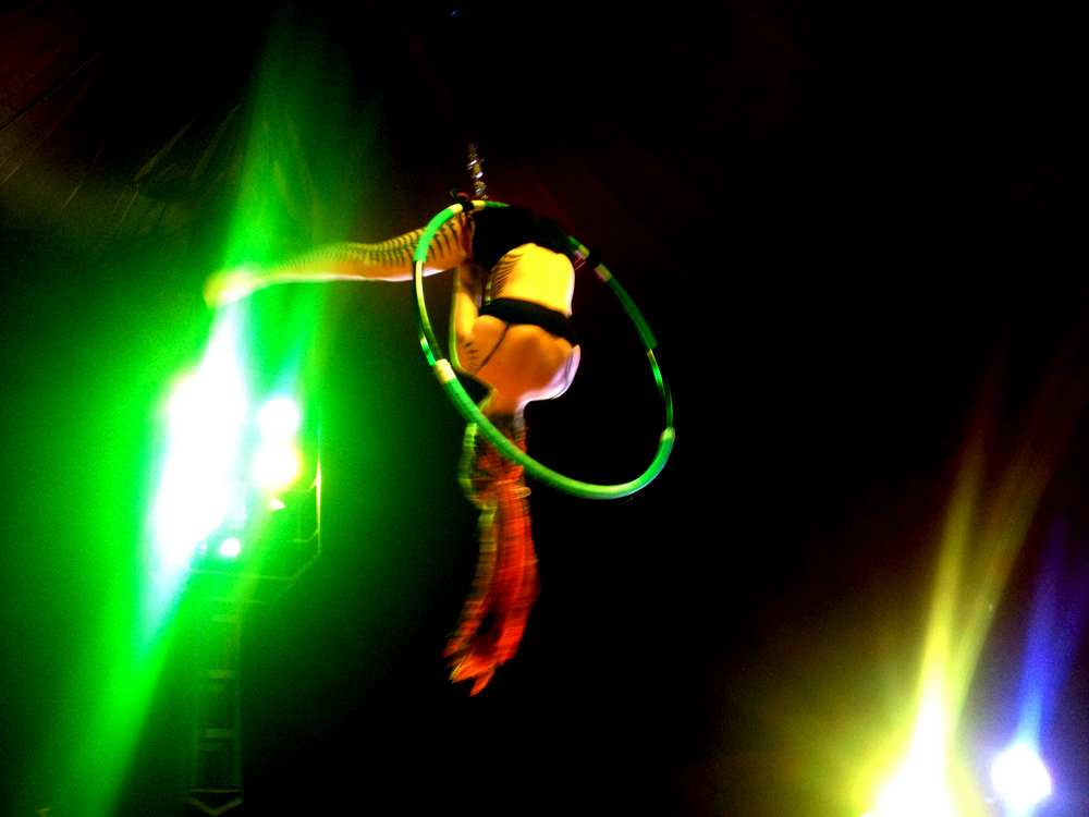 Pole Dance, Akrobatik, Strip : Lady Kitty´s Hell´s Belles
